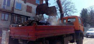 камион-с-щипка-товари-отпадъци