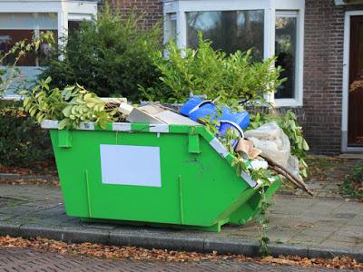 контейнер-за-отпадъци-пълен