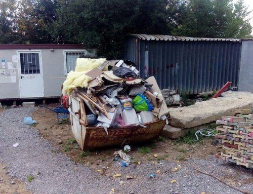 Извозване на боклука от строителната площадка