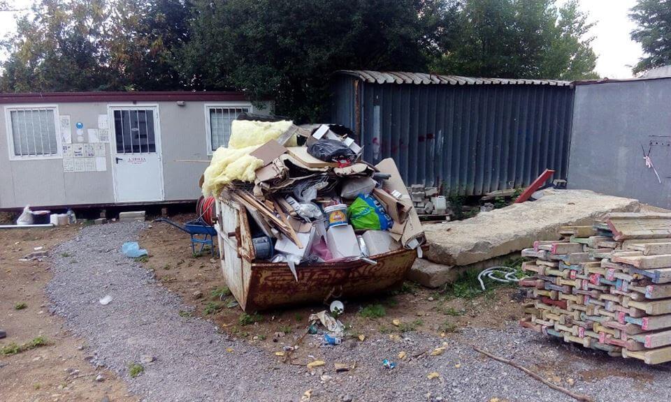 контейнер-пълен-с-строителни-отпадъци