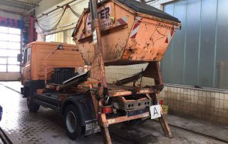 нов-камион-за-контейнери