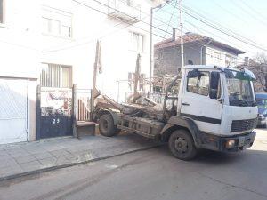 доставка на контейнери за отпадъци